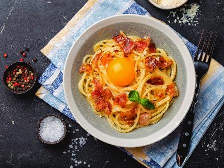 Традиционна рецепта за спагети Карбонара със свински бузи (гуанчале) - снимка на рецептата